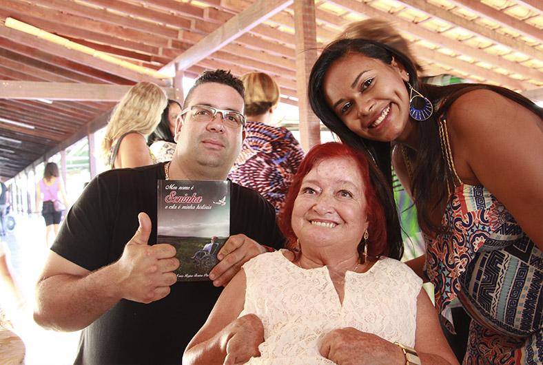 Lancamento do livro Meu nome e Soninha e esta é a minha historia 01